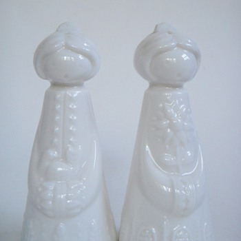 Bjorn Wiinblad?~White Salt & Pepper shakers~Scandinavian look, Vintage