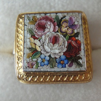 Micro Mosaic ring and brooch set in 18K yellow gold