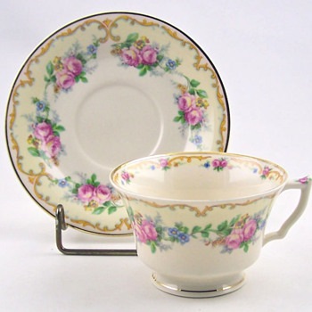 Avondale tea cup and saucer set