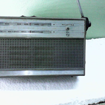 Cute Philips Radio