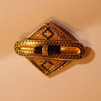 14K / 10K Victorian Taille d'epargne brooch