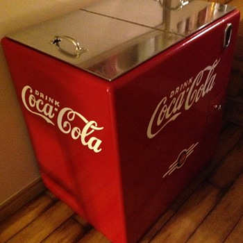 Coke Ice Chest ( Kelvinator ? ) - Coca-Cola