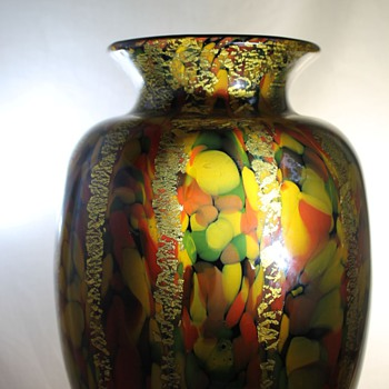 Spatter and Gold Kurata Japan Vase - Art Glass