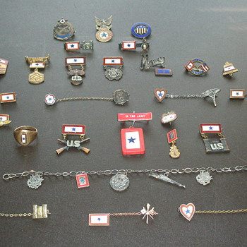 Men in the service star pins