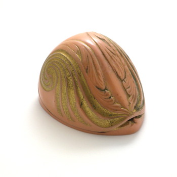 pink nautilus shell ring box