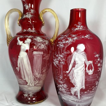 Mary Gregory Glass attributed to Mühlhaus. Circa 1875 to 1910