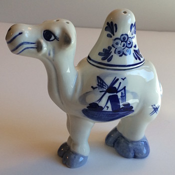 ? Delft Camel Salt & Pepper Shaker
