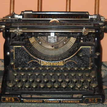 Underwood typewriter No. 5 - Office