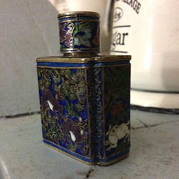 Snuff bottle Cloisonné