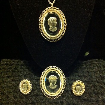 Warner Marked Intaglio Set - Costume Jewelry