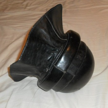 OLD PILOTS HELMET - Military and Wartime