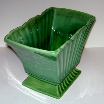 Vintage Haeger Planter  - Art Pottery