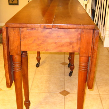 Early Period Gate Leg Table