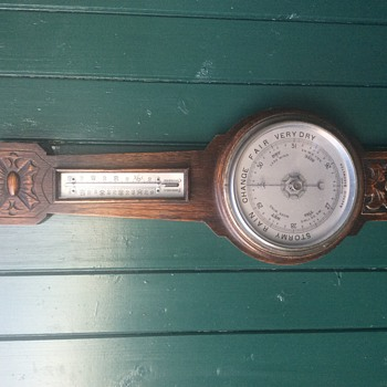 1880 English Oak Aneroid Banjo Barometer