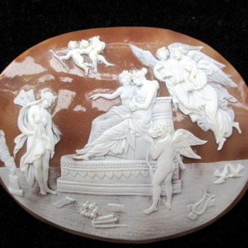 Fabulous huge cameo of love - Victorian Era