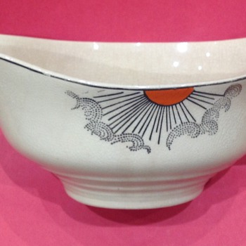 A mysterious Gravy Boat - China and Dinnerware