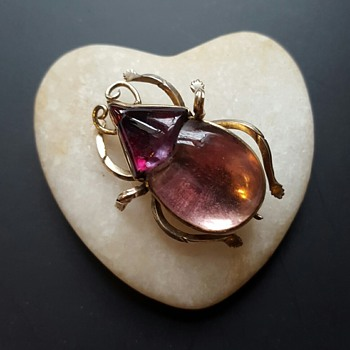 """Georgian"" foiled crystal GOLD beetle brooch."