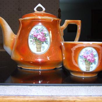 Old china tea set - China and Dinnerware