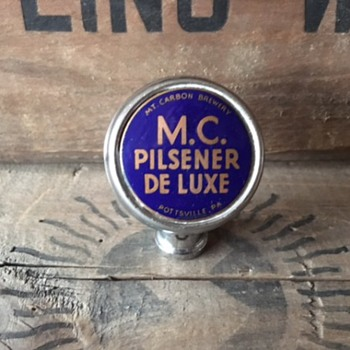 MC Pilsener De Luxe Ball Tap - Breweriana