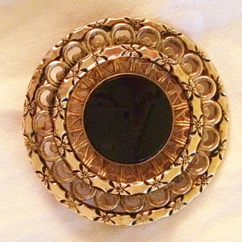 Winard Brooch/Pendant - Costume Jewelry