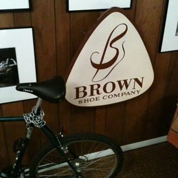 Brown Shoe Company - Signs