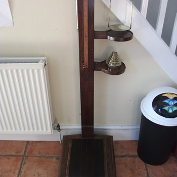 Early Victorian height and weighing scales
