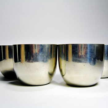 VINTAGE JEFFERSON CUPS