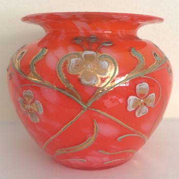 Enamelled and gilded Jugendstil roots of tango glass urn