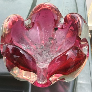 Yard sale ashtray? - Art Glass