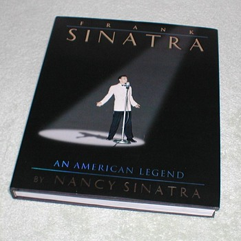 Frank Sinatra - An American Legend - Books