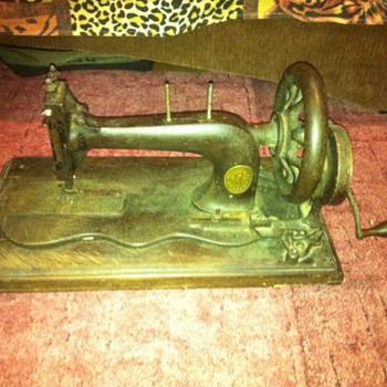 Sewing Machines Singer MFG