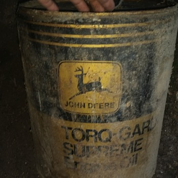 old John deer oil can