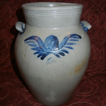 My first &quot;major&quot; piece - 19th century Salt Glazed Pottery