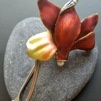 A little touch of red! Art nouveau silver enamel cyclamen brooch.