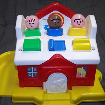 Fisher Price Discovery Schoolhouse 1023  - Toys