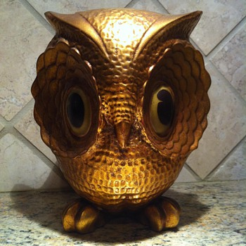 Gold Leaf Ceramic Owl by Freeman & McFarlin Potteries of California - Figurines