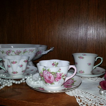 Shelley tea cup and saucer sets
