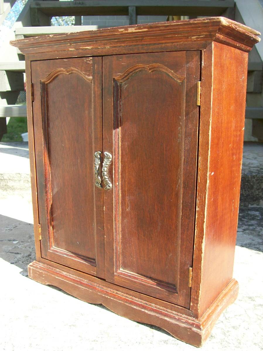 miniature cedar wardrobe armoire collectors weekly. Black Bedroom Furniture Sets. Home Design Ideas
