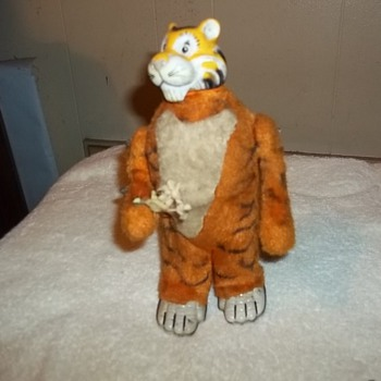 WIND UP TIGER TOY - Petroliana
