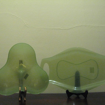 KARIM RASHID FOR UMBRA -USA - TRIBOWL CLEAR JADE 330270-169 & JAMBO TRAY CLEAR JADE 330250-169 - Kitchen