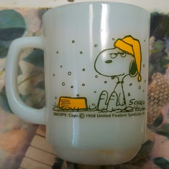 1958 Fire King Snoopy/Woodstock Snowing Mug