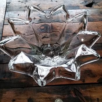 Sunflower Hand Blown Bowl Unknown Artist