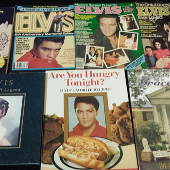 Elvis Presley magazines and books - Paper