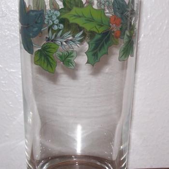 Pretty Leave & Berries Coolers Tumblers Highball Glasses