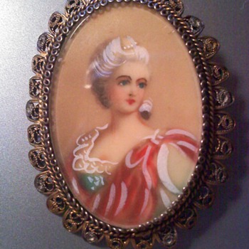 14K Gold Portrait Porcelain Brooch
