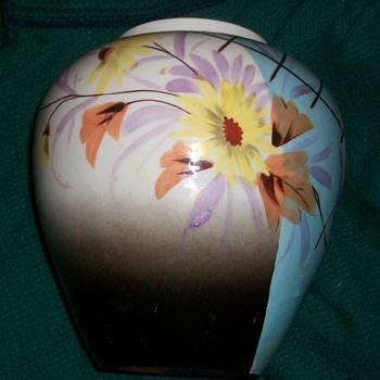 mystery vase - Pottery