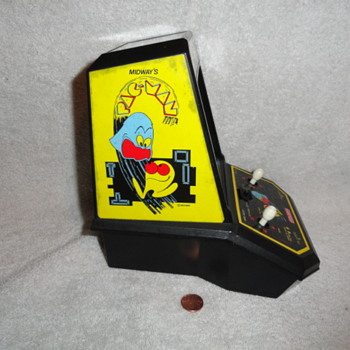 1981 Coleco Pac - Man Table Top Game  - Games