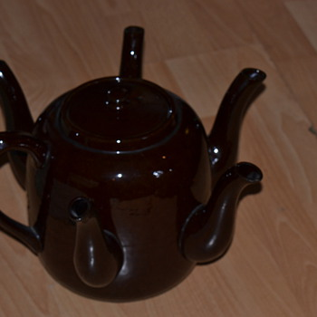 antique market find. sudlows functional teapot