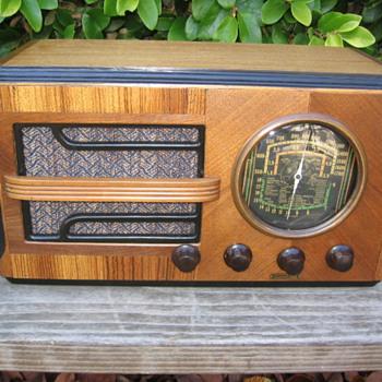 Jackson-Bell Tube Radio Model 556