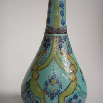 Beautiful little decorated Vase - Pottery